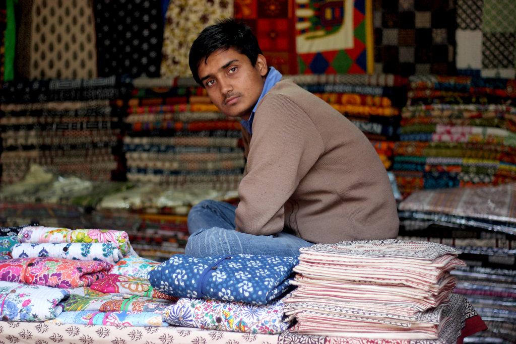 sarojni market